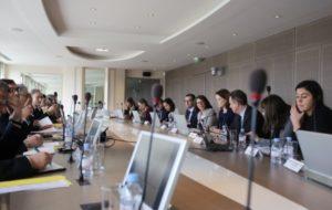 Agnès Buzyn et Emmanuel Macron rappellent les Ocam à leurs obligations