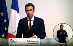 Masques : Olivier Véran joue la transparence sur les chiffres