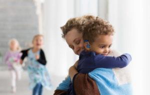 Oticon annonce de nouvelles familles d'aides auditives sur Velox S