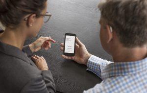 Oticon communique sur sa solution de suivi à distance, primée au CES