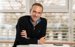 Le coureur cycliste Cyril Dessel, nouvel ambassadeur Phonak